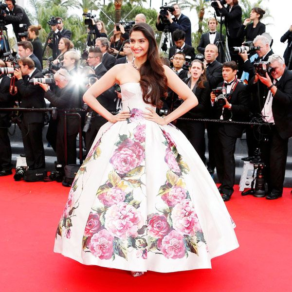 Indian-actress-Sonam-Kapoor-looked-fabulous
